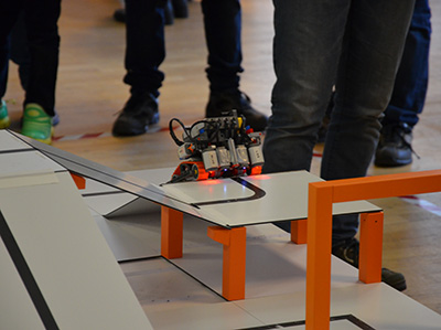 Roboter bei der RoboCup Junior Qualifikation in Berlin